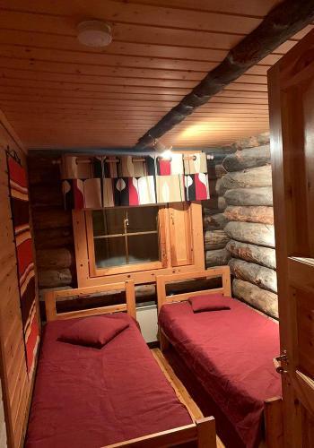 Makuuhuone erillisvuoteilla